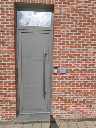 chrome 270 exterior